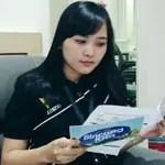Helen_Manurung