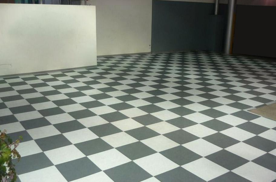 Smooth XL GridLoc Tiles  Solid Interlocking Garage Tiles