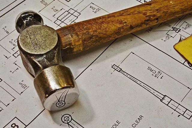 """Golden Hammer """"Para un martillo todo son clavos."""""""