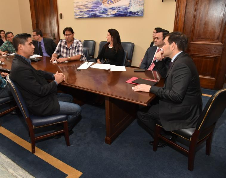 Carlos Amel Oliva Torres and Cuban dissidents meet with Sen. Marco Rubio