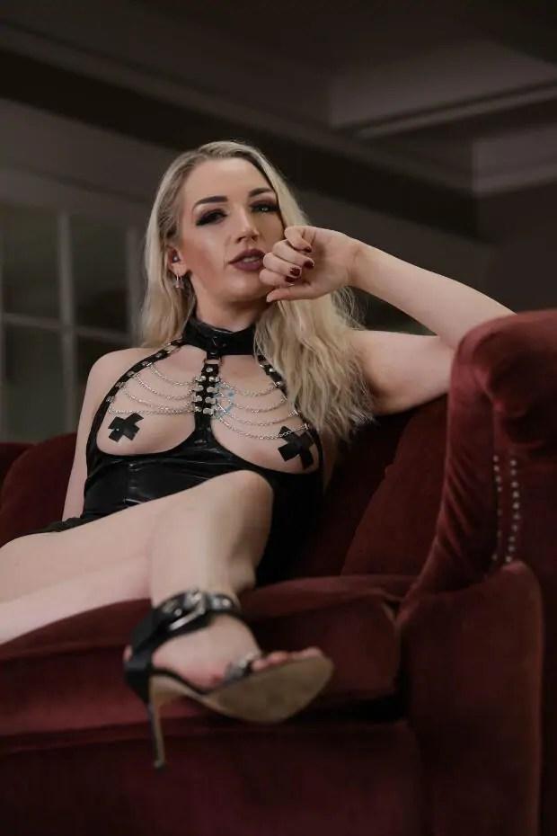 Sexy online mistress ruby enraylls online Dominatrix Ruby Enraylls
