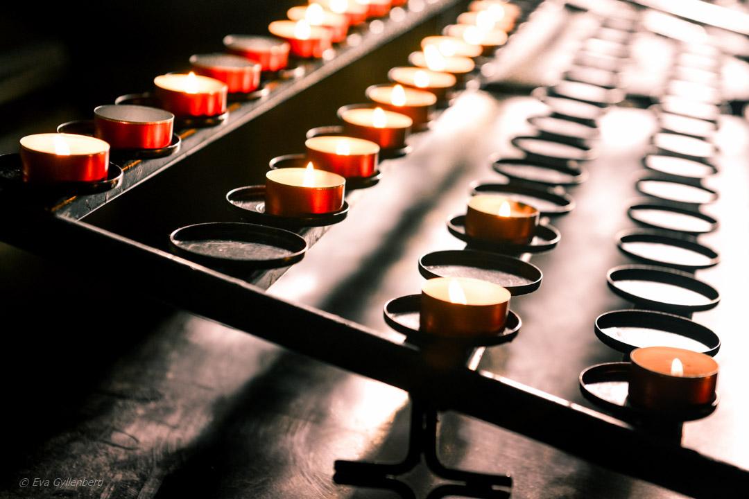 Ljus i kyrka