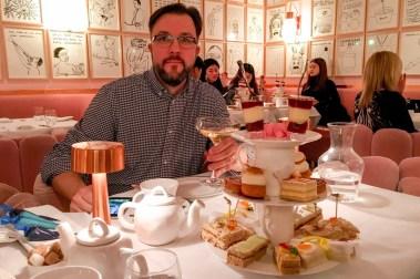 Sketch Afternoon Tea i London