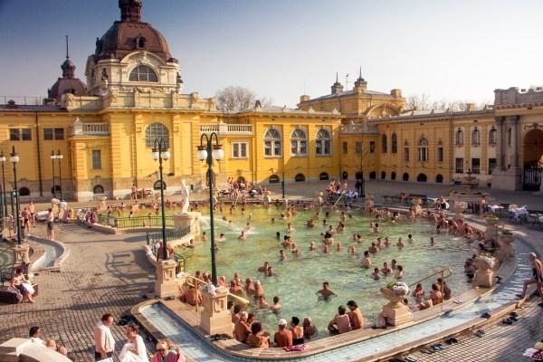 Varmbadhus Budapest