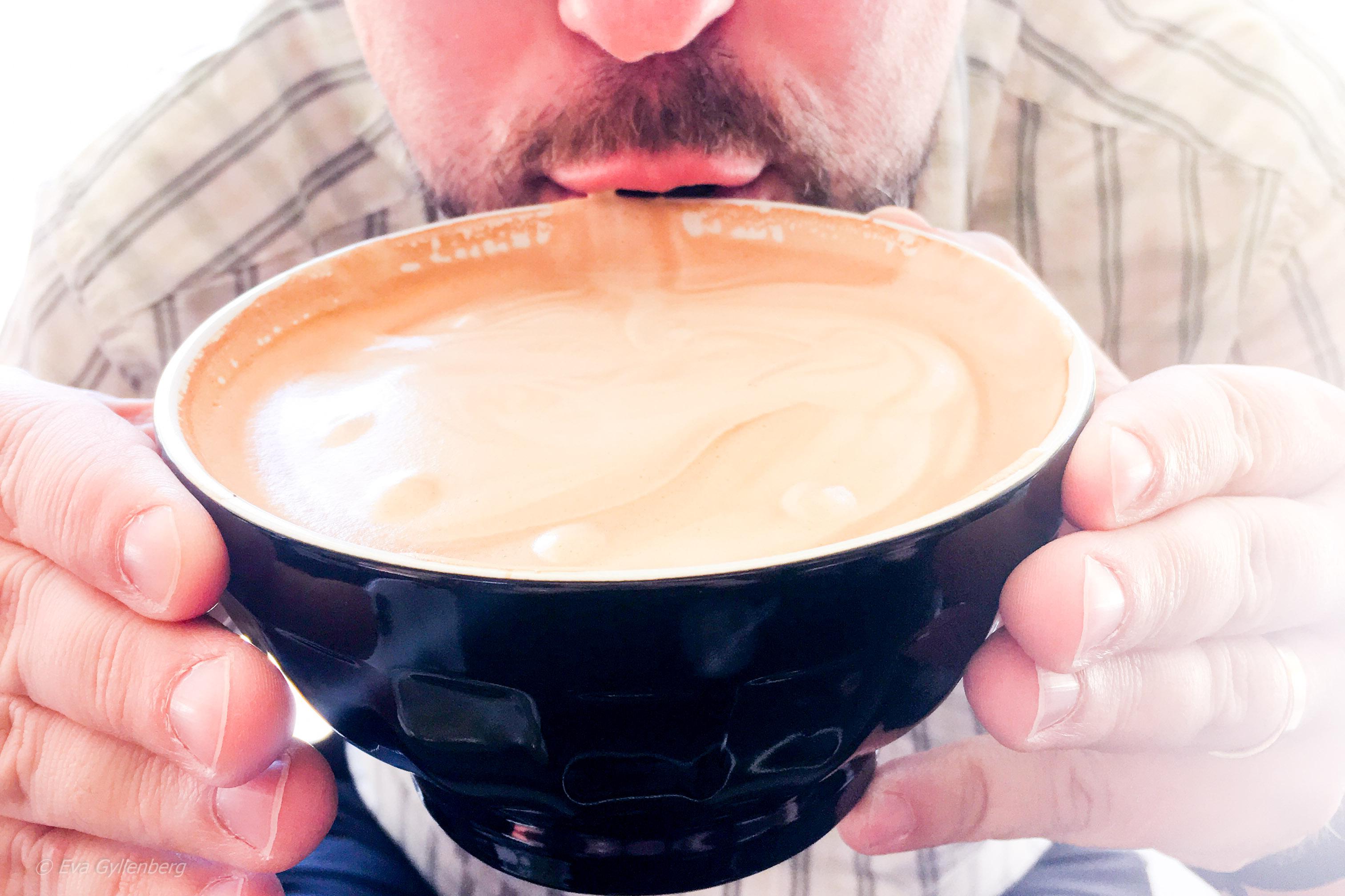 Kaffe i soppskål - Tiamaru -Nya Zeeland