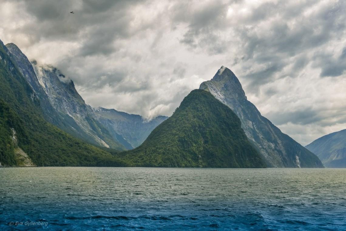 Klippor och landskap i Milford Sound
