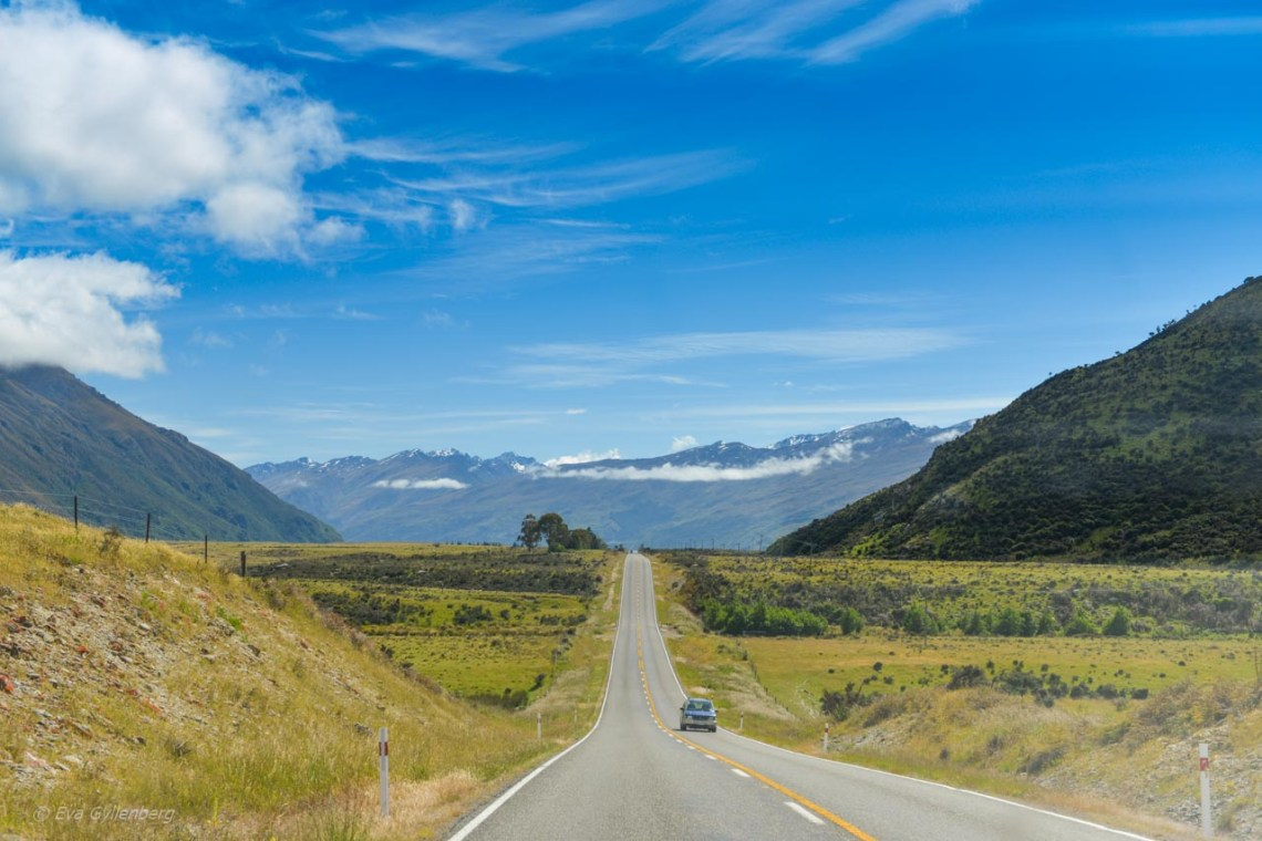 Rak väg på vägen till Milford Sound
