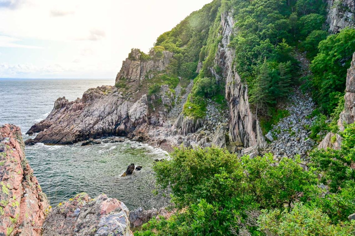 Dramatic views with the sea and cliffs at Skälderviken