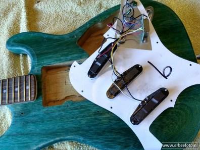 R-O-Caster DIY Stratocaster HSS Upgrade 06