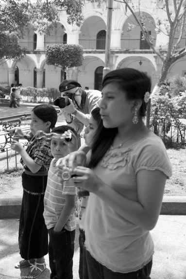 Learning to photograph strangers in Antigua Guatemala with Rudy Giron