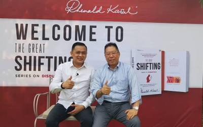THE GREAT SHIFTING: Buku Terbaru Prof. Rhenald Kasali