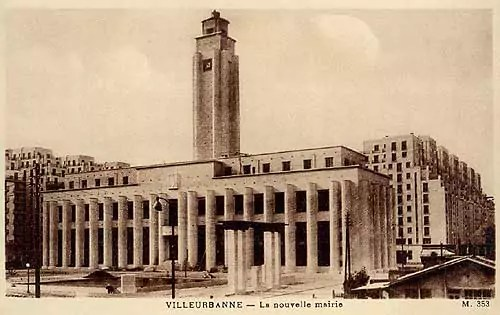 Villeurbanne hôtel de ville surmonté d'un beffroi de 65 mètres, par Robert Giroud, Grand Prix de Rome.