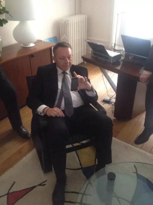 Thierry Braillard pris en photo par Guillaume Lacroix, maire-adjoint à Bourg-en-Bresse, postée sur son Twitter.