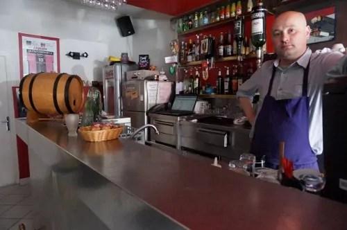 Claude Fourtier, le gérant du Dream's café ©Laura Daniel