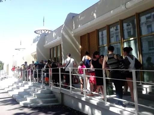 Pas de grosse foule ce matin pour la réouverture de la piscine du Rhône.