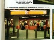 """Les composteurs """"persuasifs"""" du métro de Lyon, bien avant les portiques fermés. Dans La Vie du Rail de mai 1978."""