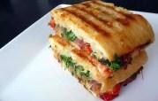 Un très gros panino @BlueMoonInHerEyes