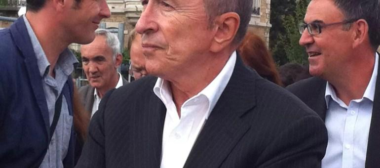 Gérard Collomb fête ses 70 ans : des bougies et des articles de presse