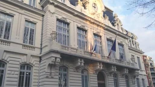 drapeaux-berne-mairie7e-Lyo