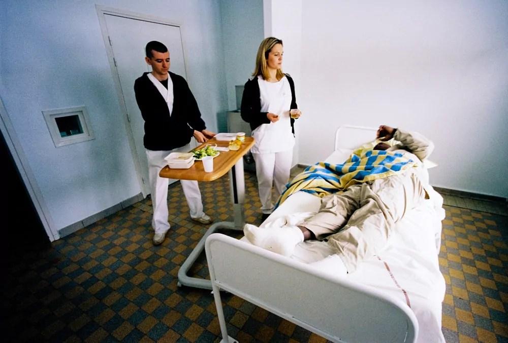 Au Vinatier lhpital psychiatrique gre la crise  Rue89Lyon