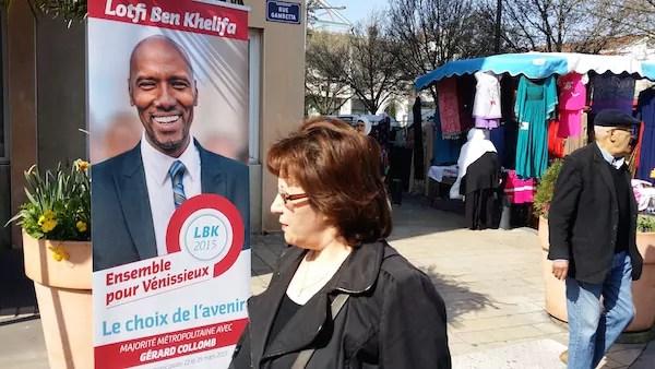 Une affiche du candidat Lotfi Ben Khelifa sur le marché du centre-ville de Vénissieux. ©LB/Rue89Lyon