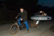 La soucoupe volante de Larringes, sur la route. DR.