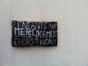 Pancarte à l'école Ampère d'Oullins, occupée depuis le 10 avril. ©DR
