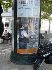 Affichage publique sur la police municipale à Saint-Étienne.