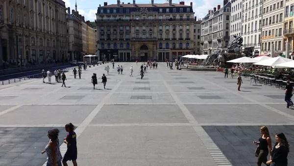 La place de Terreaux à Lyon photographiée le 19 août. ©LB/Rue89Lyon