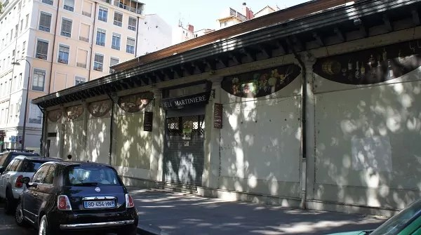 Le marché de producteurs «Halle de la Martinière» à Lyon, une ouverture aux forceps