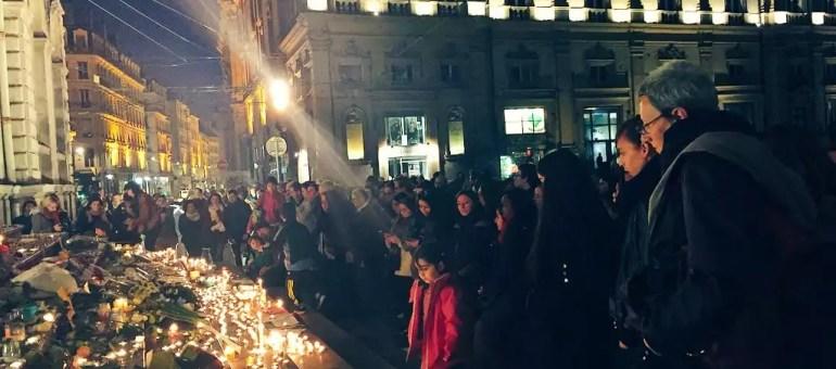 A Lyon, un «état de solidarité» initié après les attaques terroristes à Paris