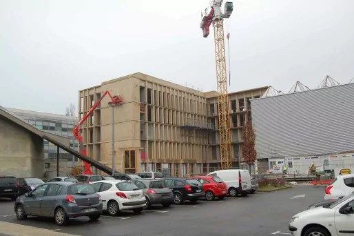 La construction de la Tour A sur le site de l'INSA a été débutée, financée dans le cadre du plan Campus et du Contrat de Plan Etat-Région. © Photo BE/Rue89Lyon
