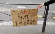 Pancarte appelant à la manifestation lyonnaise contre la loi travail devant le lycée Ampère-Bourse à Lyon. ©LB/Rue89Lyon