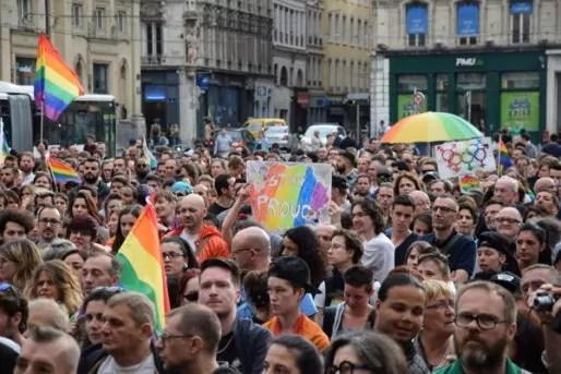 Hommage aux victimes d'Orlando, depuis Lyon. Crédit : SC/Rue89Lyon