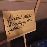 Une pancarte de manif anti-loi travail, chez des militants PS de la section du 5e ardt de Lyon (où militait Caroline Collomb). ©DD/Rue89Lyon