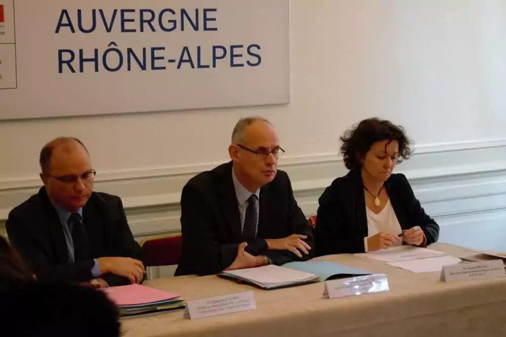 Bouillon (au centre) lors de la présentation du plan froid. © TS/Rue89Lyon