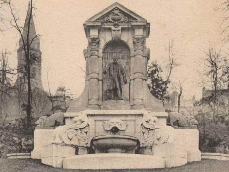 La Statue d'Auguste Burdeau vers 1910 - Archives municipales de Lyon