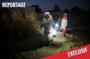 """en Inde, le Barefoot College forme des femmes rurales venues du monde entier, à l'installation et la maintenance de panneaux photovoltaïques. Un des reportages du magazine """"Femmes ici et ailleurs"""". ©DR"""