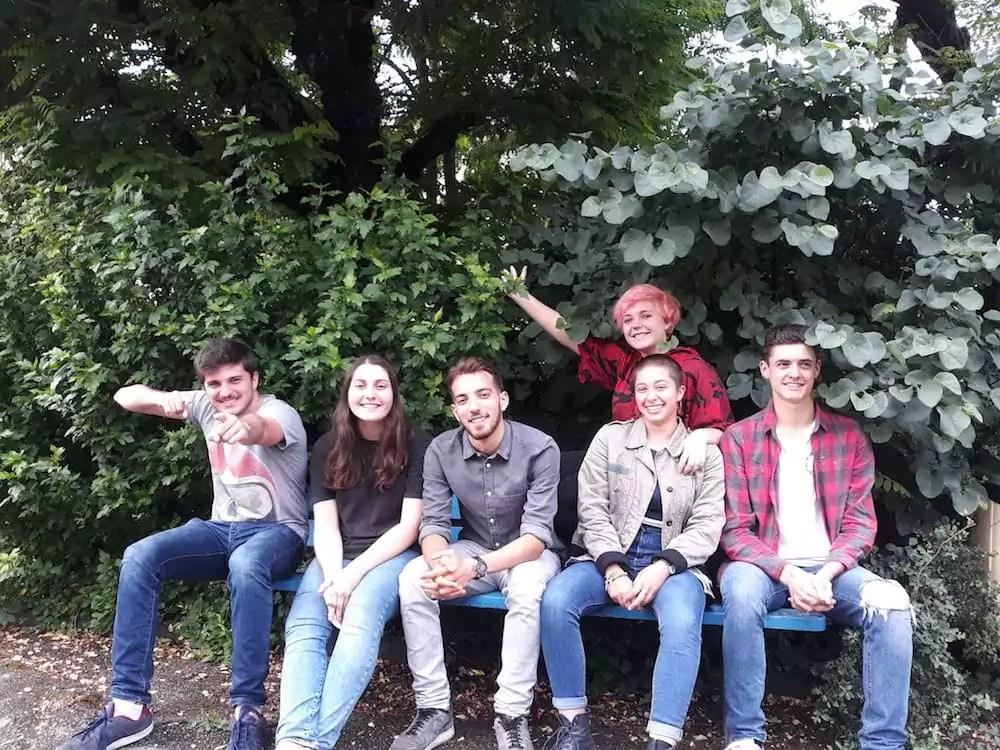 Léo, Eloïse, Oussama, Nina, Dorian et (derrière) Justine. Six étudiants de la COP 2017-2018 de la Ciné Fabrique. ©LB/Rue89Lyon
