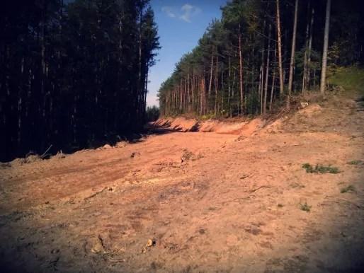 Sur les flancs du Heidenkopf, à proximité de Gresswiller et Klingenthal, une saignée pour faire passer les engins forestiers, là où se trouvait un sentier balisé du Club vosgien (Document remis)