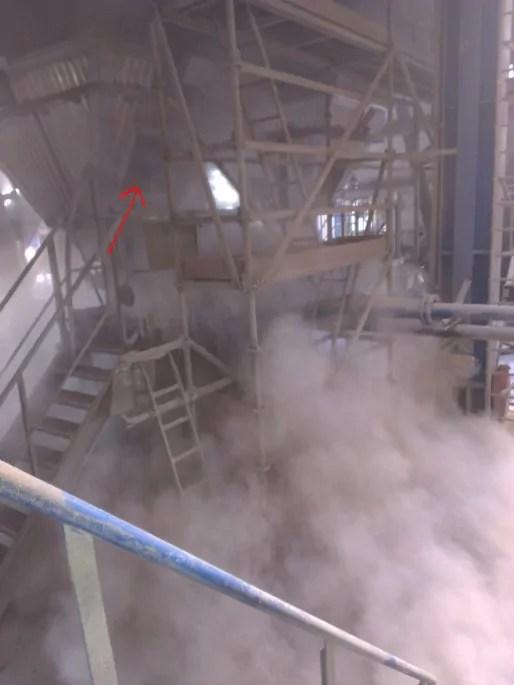 L'usine est régulièrement enfumée. (Photo transmise / cc)