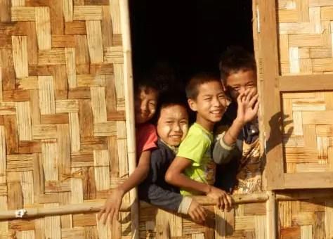 En Asie du sud-est : joyaux, argent, vestiges, cicatrices et sourires