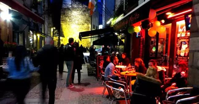 Comme à Strasbourg, la vie nocturne divise les villes de province