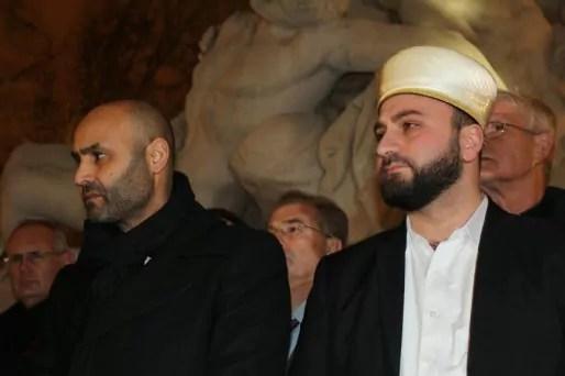 Abdelhaq Nabaoui et Eyup Sahin, vice-président et actuel président du CRCM, le 9 janvier à Strasbourg lors du rassemblement de réaction aux attentats terroristes à l'appel des musulmans. Claire Gandanger/Flickr.cc