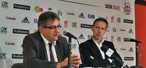 Les succès sportifs de la SIG s'expliquent aussi par l'arrivée de Vincent Collet (à droite), entraîneur de l'équipe de France. (photo JFG / Rue89 Strasbourg)