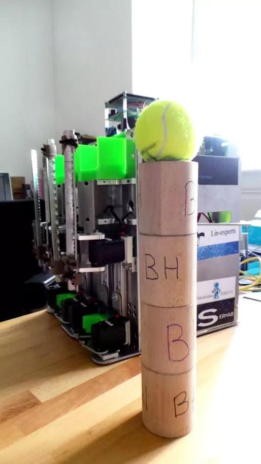 """""""Même les cylindres de bois qui servent à matérialiser le spot de cinéma, je les aient réalisés avec mon grand-père."""" (Photo : OG/Rue89 Strasbourg)"""