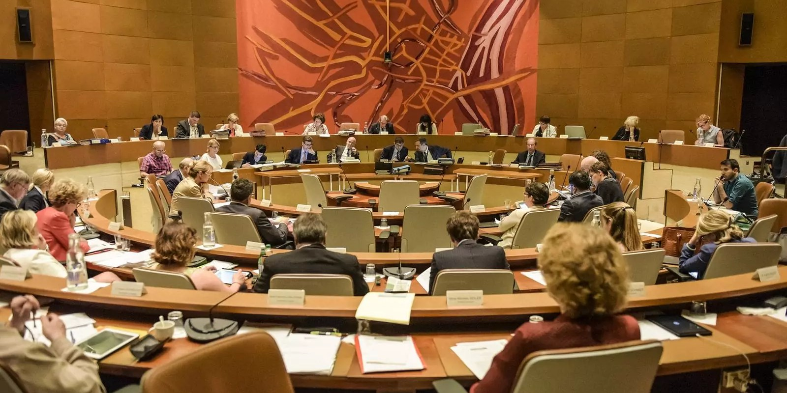 Au conseil municipal de Strasbourg, petite vitesse pour l'exécutif, gros dossiers pour l'opposition