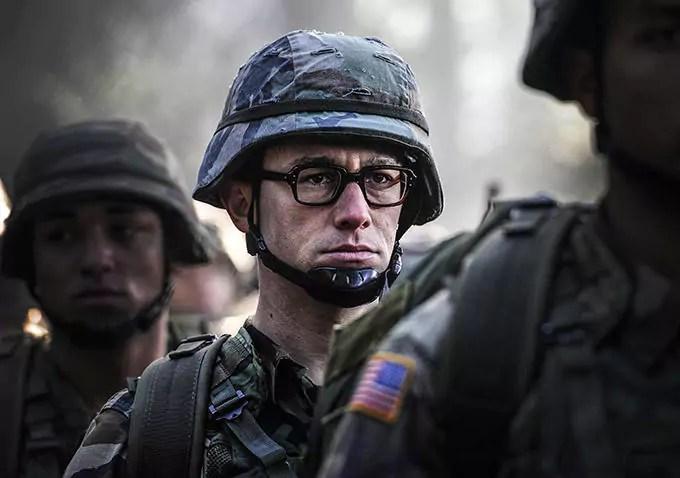 Snowden au cinéma, une fiction inassumée