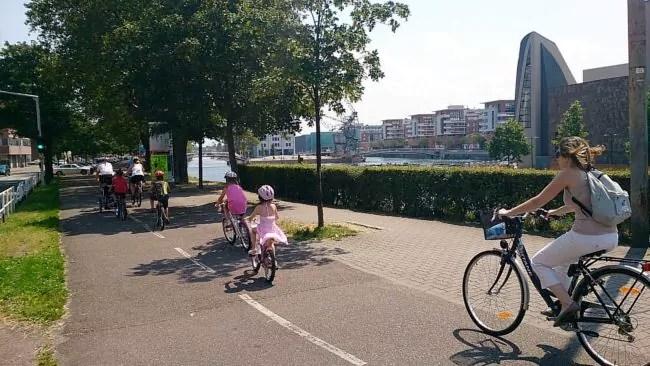 La politique volontariste du vélo à Strasbourg semble s'infléchir... (Photo Victor Quiroz / FlickR / cc)