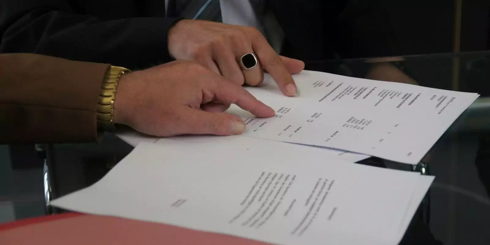 «Le gel des contrats aidés, une attaque brutale contre les plus fragiles»